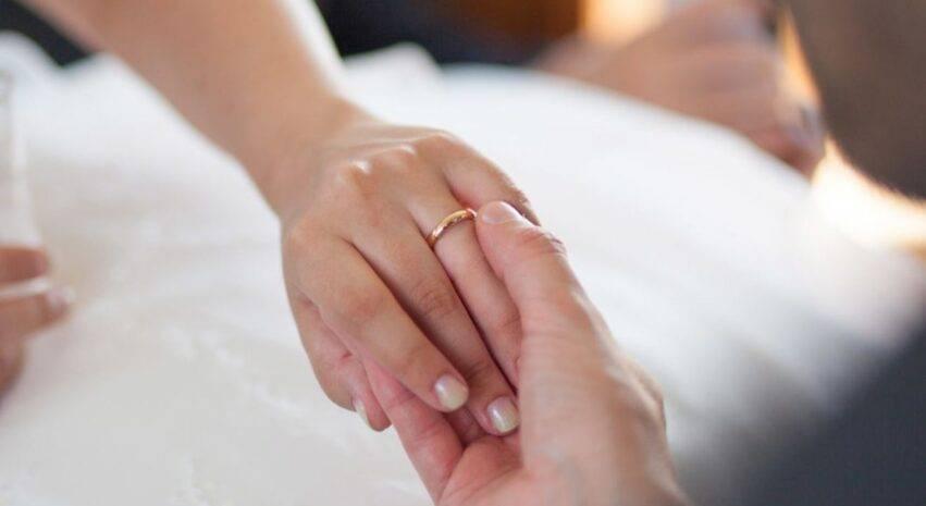 amante e moglie ricevono risarcimento