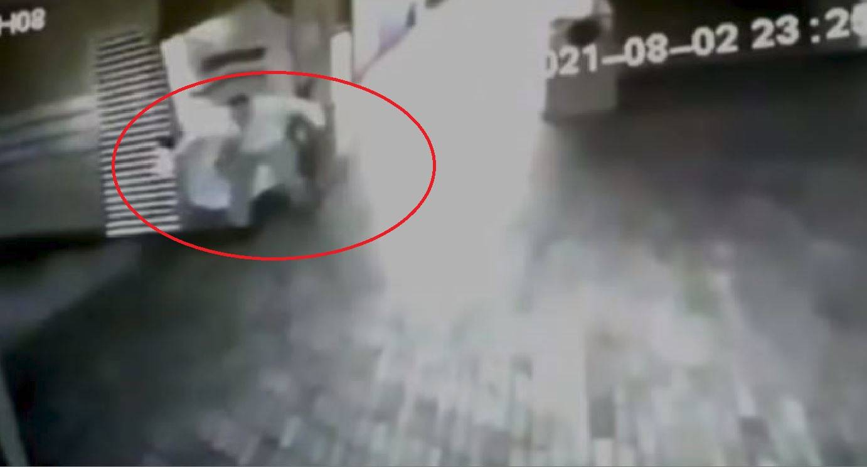 la guardia è caduta a terra